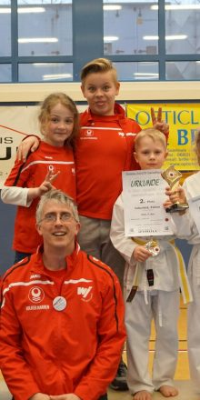 Doppelgold und 3 x Silber beim Seat Karate Cup