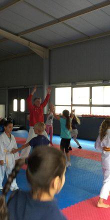 Stark für´s Leben beim Karate Ferienspaß